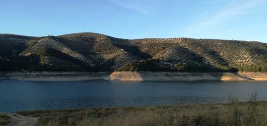 Le lac d'Iznajar en Andalousie